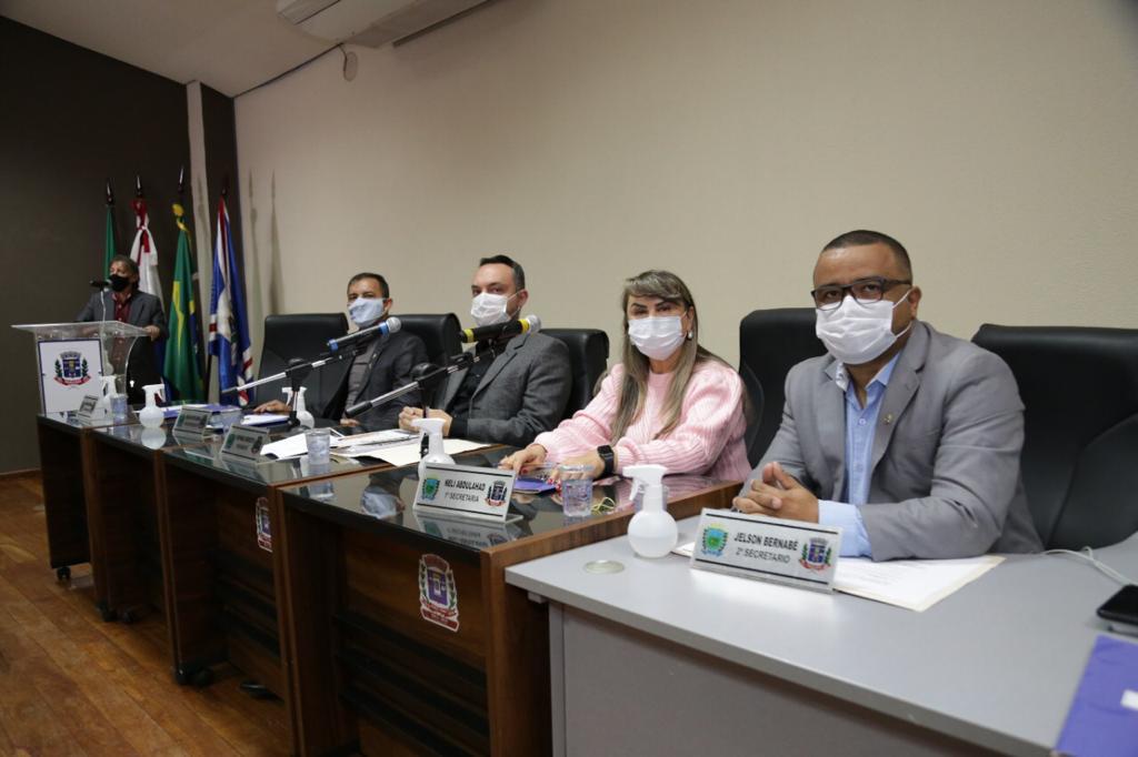 Vereadores iniciam votação da LDO e fazem apelo para população se vacinar contra Covid-19