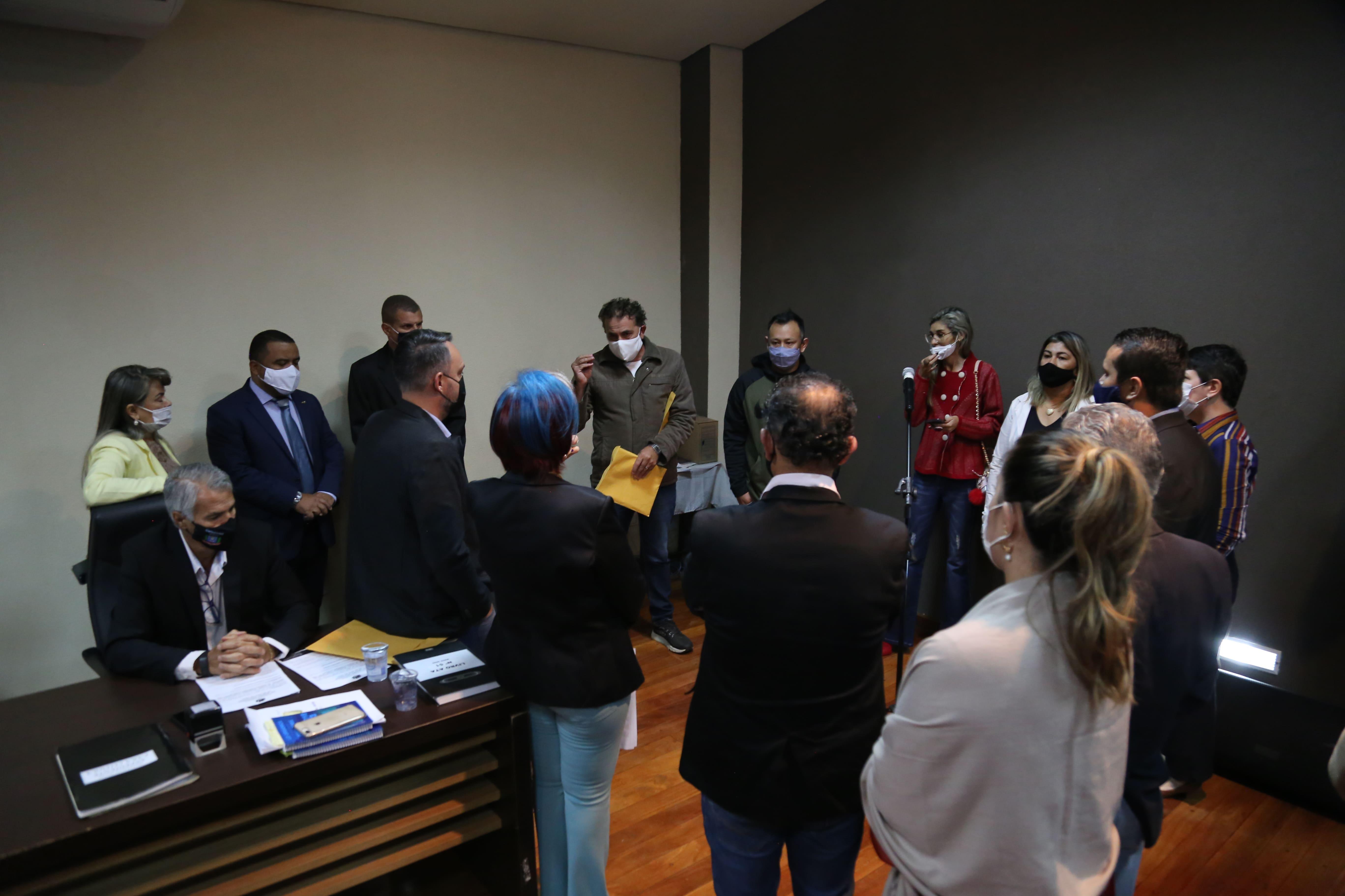 Em sessão, Câmara Municipal acolhe reivindicações dos conselheiros tutelares