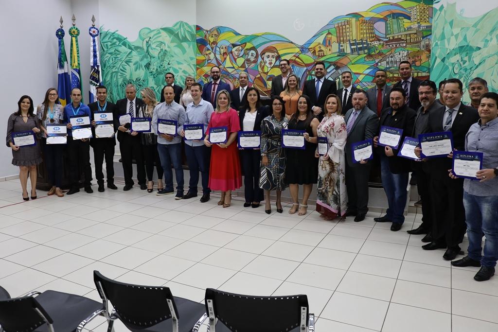Em solenidade inédita em MS administradores são homenageados pela Câmara Municipal de Ponta Porã