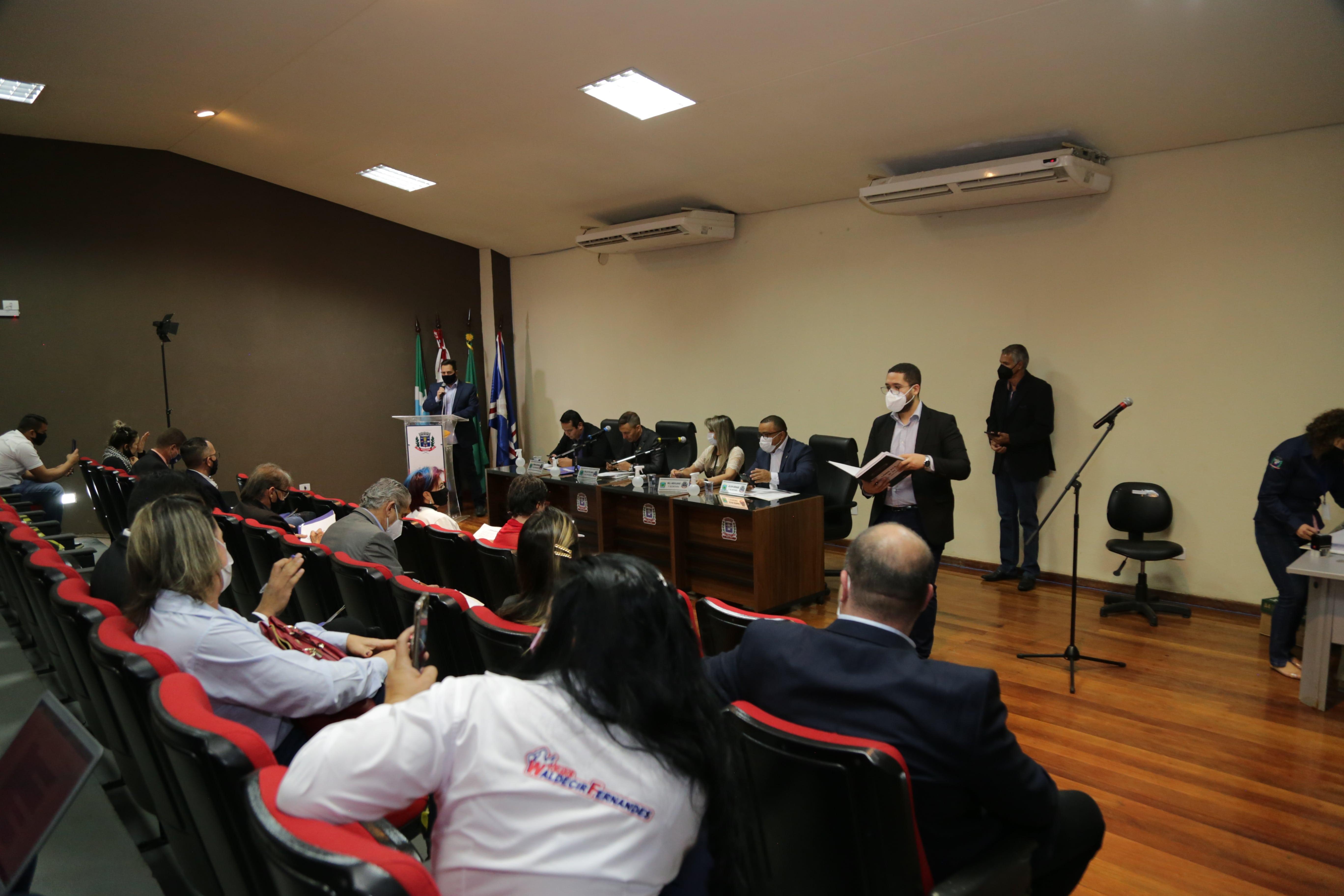 Câmara Municipal aprova LDO com 18 emendas